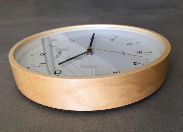 horloge contour bois bayard.